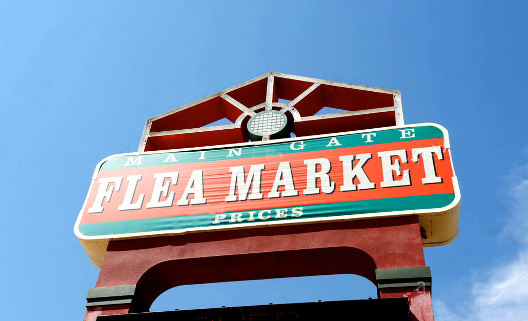 main gate flea market