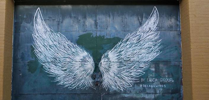 Deland wings art