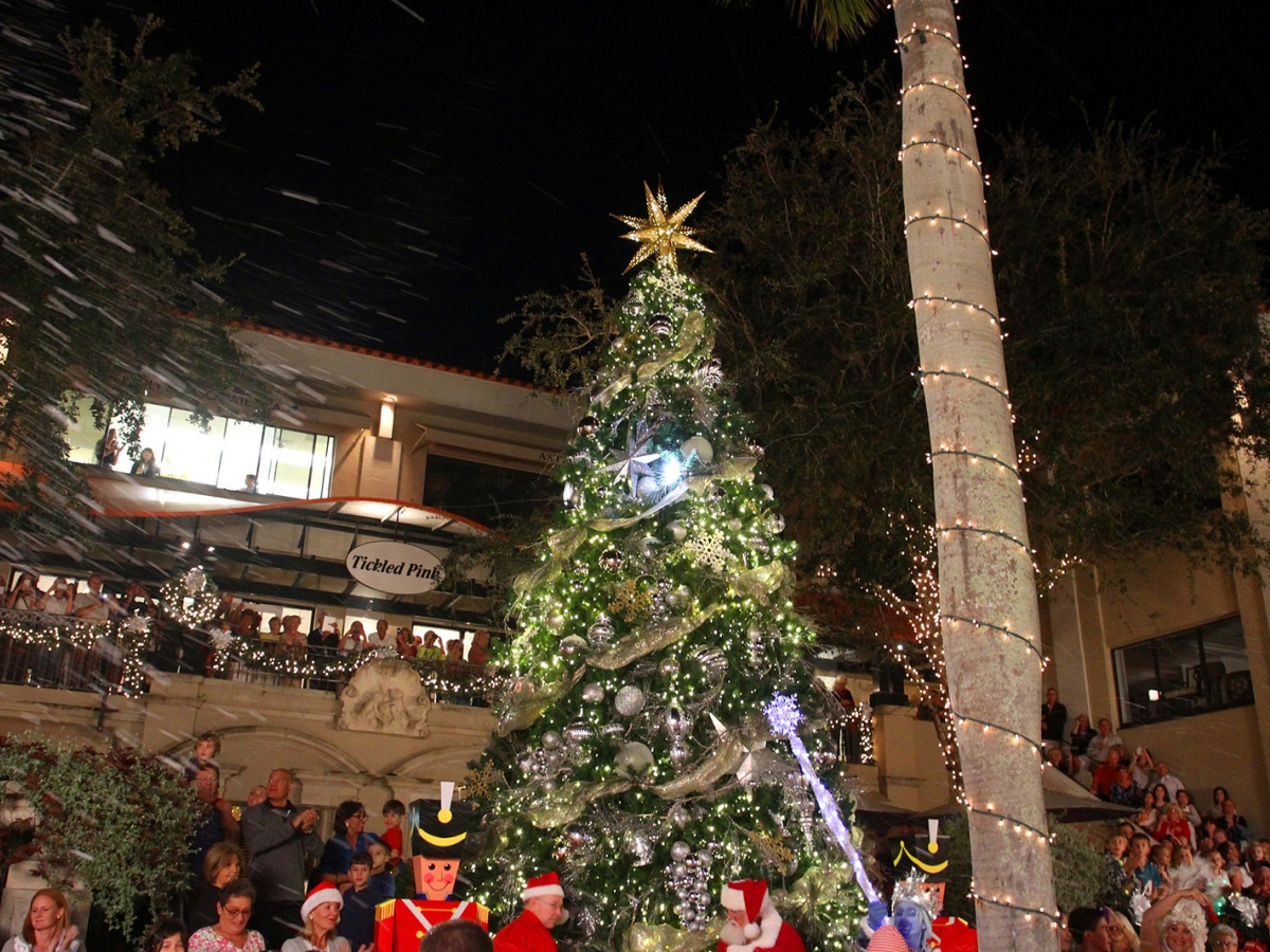 How to Spread Holiday Cheer in Naples and Marco Island