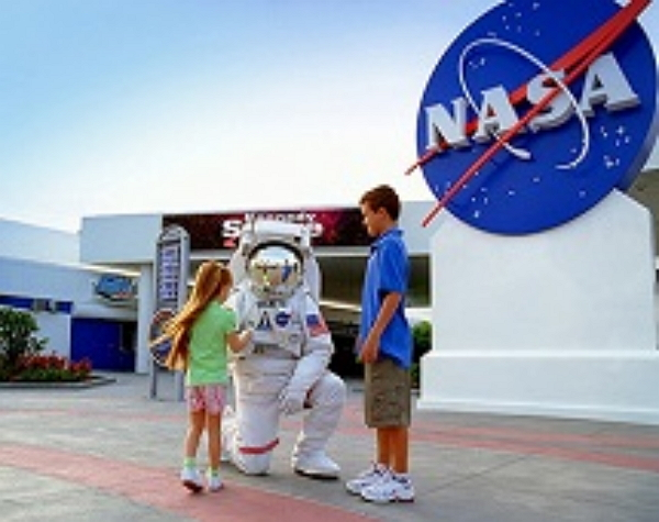 Kennedy Space Center PLUS Dine with an Astronaut + round trip transportation